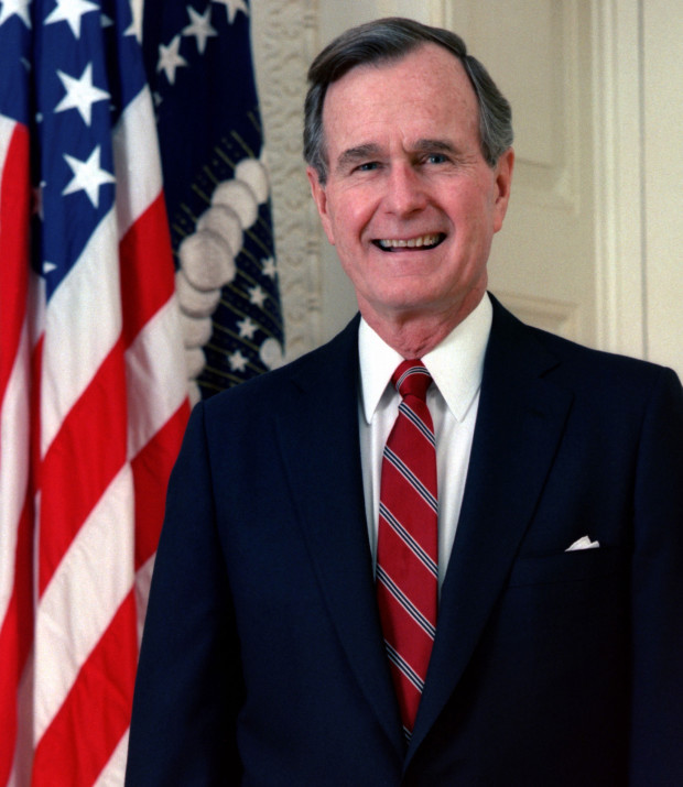 George_H._W._Bush,_President_of_the_United_States,_1989_official_portrait (1)